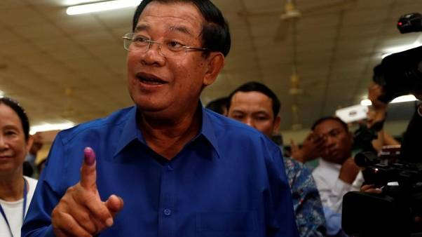 Cambodia PM calls on US to withdraw Peace Corps volunteers