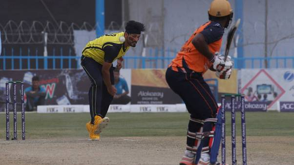 Afghan cricket fans defy bombers as T20 league takes off