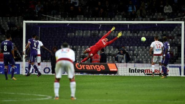 Ligue 1: Bordeaux garde le contact avec les gros