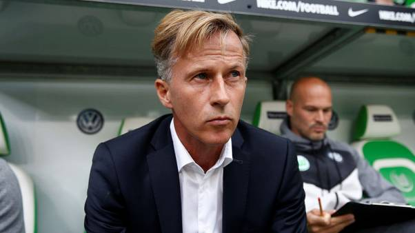 Wolfsburg sack coach who saved them from relegation