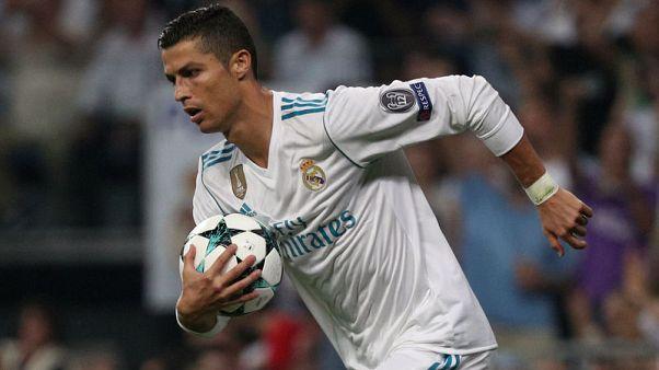 Ronaldo returns as Madrid aim to pressure leaders Barcelona