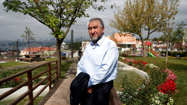 Uzbek writer plans cautious return from exile