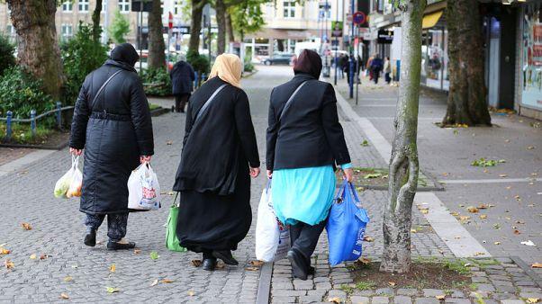 In German rustbelt, Merkel challenger's social justice pitch falls flat