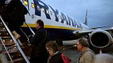 Ryanair offers pilots bonuses in bid to avoid more cancellations