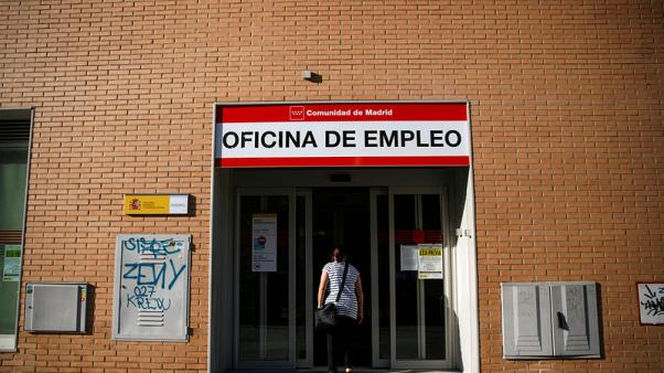 Spain on the backfoot in bid to tackle youth unemployment