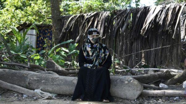 Au Bangladesh, les réfugiées rohingyas hantées par des viols en réunion
