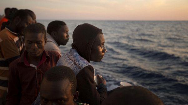 Migranti: sindaco Lega, chip elettronico