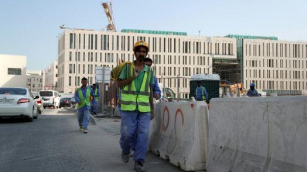 Mondial-2022 au Qatar: la Fifa pressée de protéger les travailleurs immigrés