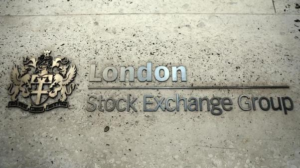Banking bounce keeps FTSE steady