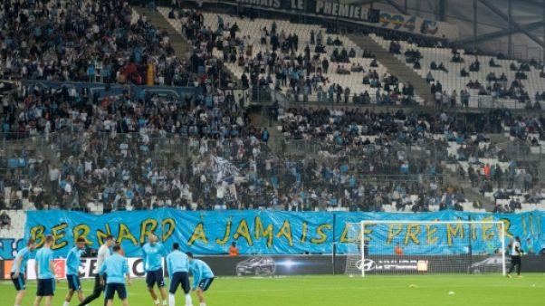 """""""J'ai vu vos banderoles"""", répond Bernard Tapie aux supporters"""