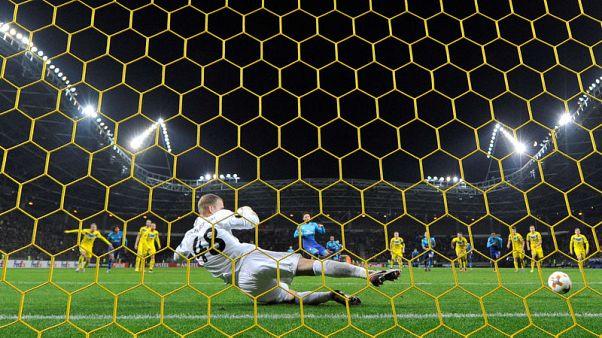 Arsenal's Giroud reaches century milestone in Europa League win