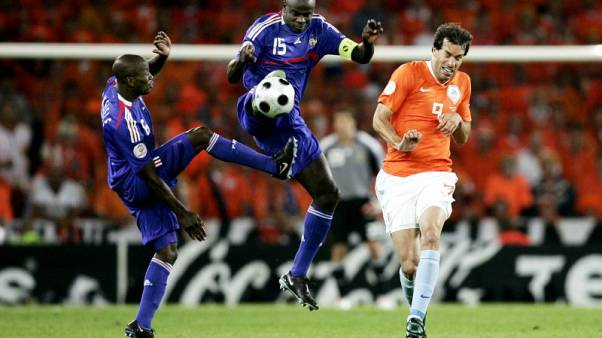 Interview - Soccer players should copy NFL protest against racism, says Thuram
