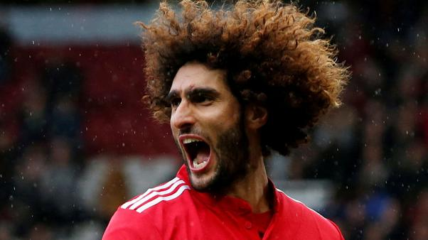 Fellaini strikes twice as Man United crush Palace 4-0