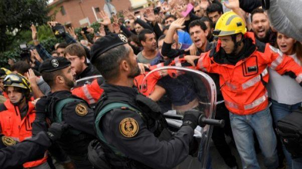 Et soudain des tirs de la police claquent dans Barcelone