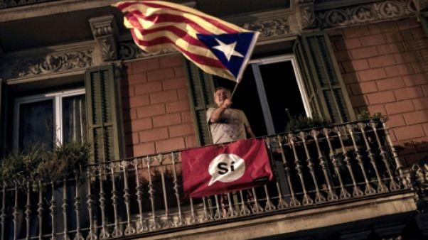 """Catalogne: Madrid fera """"tout ce que permet la loi"""" pour empêcher une déclaration d'indépendance"""