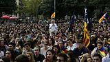 """""""Unis dans la tristesse"""", les Catalans demandent le dialogue après la répression"""