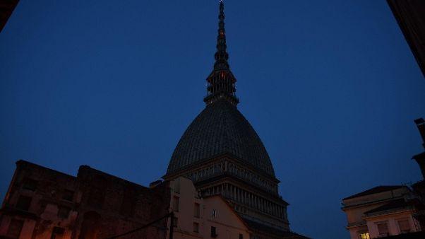 Omaggio a Italia, Mole Torino è azzurra