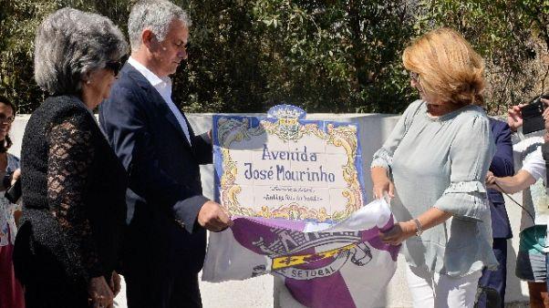 Setubal dedica una via a Mourinho