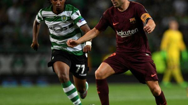 Catalogne: Iniesta, le capitaine du FC Barcelone, lance un appel au dialogue
