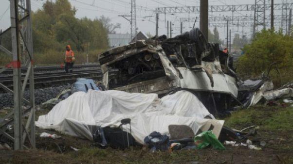 Russie: au moins 16 morts dans une collision entre un train et un car