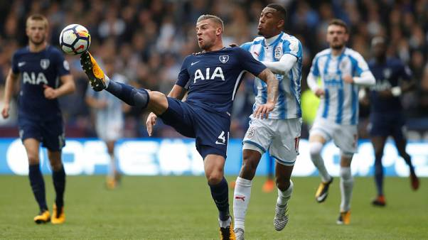 Alderweireld content at Tottenham as he awaits new deal