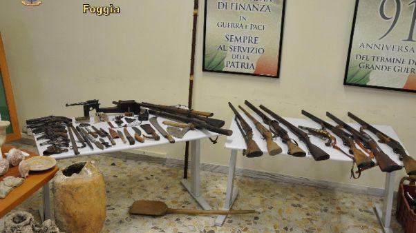 Armi e reperti,c'e reliquia forse papale