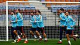 Dutch keep slender World Cup hopes alive after Belarus win