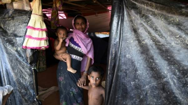 """Au Bangladesh, la """"vie de prisonniers"""" des réfugiés rohingyas historiques"""