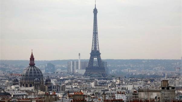 French bankers weighing Brexit face Paris pressure to come home