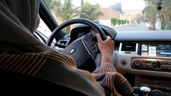 Une Saoudienne verbalisée pour avoir pris le volant