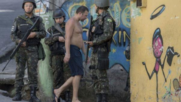 Brésil: l'armée de retour dans la favela de Rocinha, à Rio