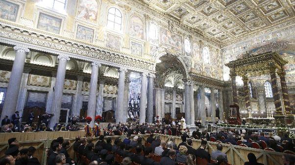 Papa: cristiani Oriente perseguitati