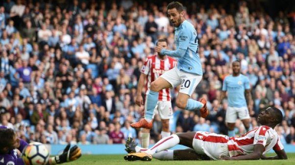 Angleterre: Manchester City allume, United s'éteint