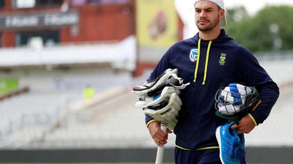 De Kock, Amla flay Bangladesh in 10-wicket win