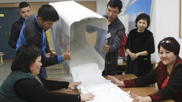 "Kyrgyzstan vote count problems ""significant"" - OSCE-led observers"