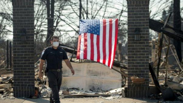 Les pompiers domptent les feux californiens, le bilan grimpe à 41 morts