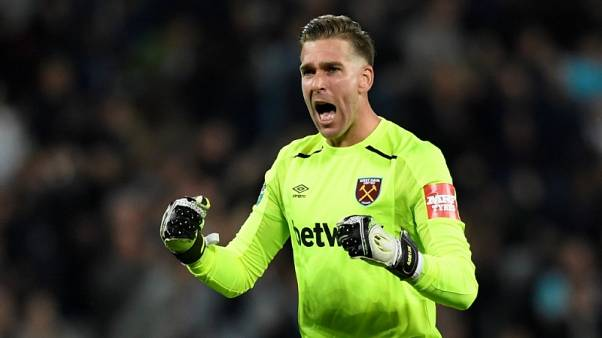 West Ham's Bilic wants keeper Adrian to compete for starting spot