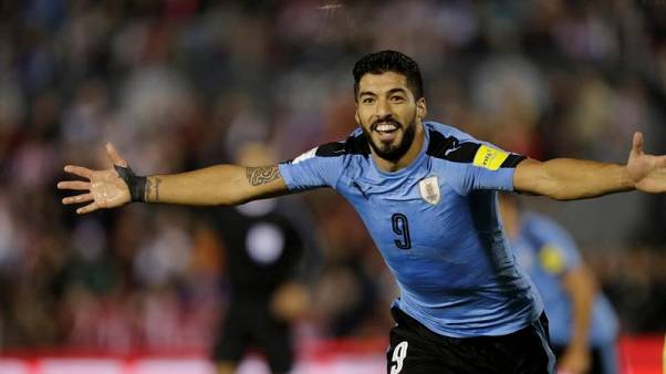 Suarez left out of Uruguay squad to recover from knee injury