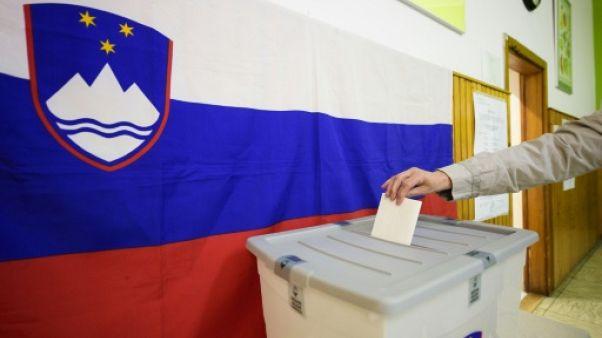 Les Slovènes élisent leur président, le sortant Pahor favori