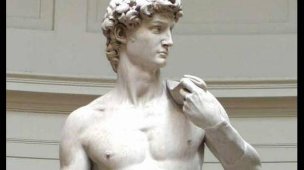 Nudo davanti al David, denunciato