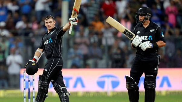 Latham and Taylor combine to take New Zealand to victory
