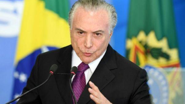 Brésil: Temer, un président sans peur malgré les reproches