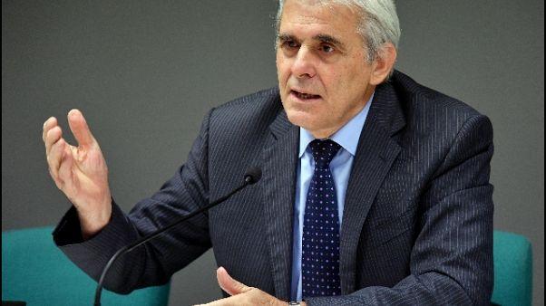 Nicchi'Montella si dovrà adeguare a Var'