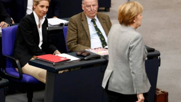 """L'extrême droite promet """"une nouvelle ère"""" en Allemagne"""
