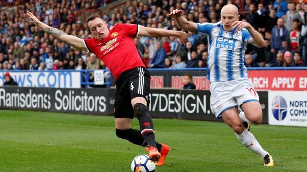 Man United get Jones boost ahead of Tottenham clash