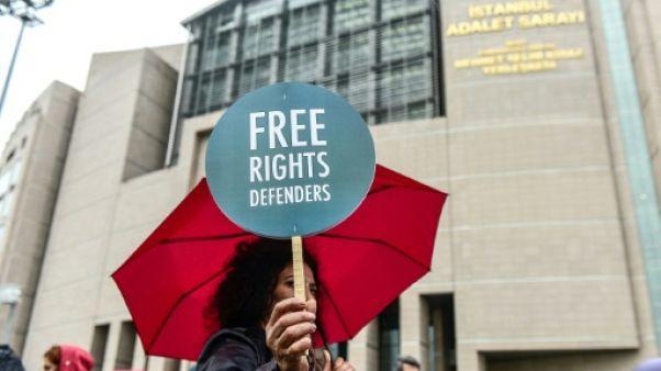 Turquie: liberté conditionnelle pour 8 militants des droits de l'homme