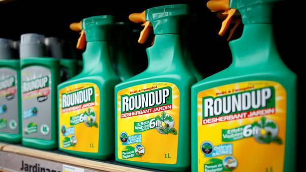 EU delays decision on licence for weedkiller glyphosate