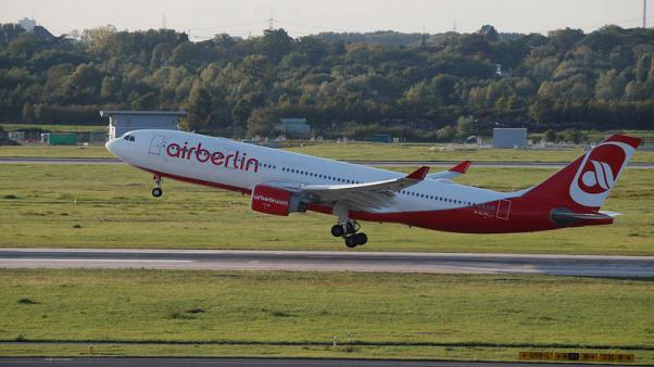 'Neck and neck' between Condor and easyJet for Air Berlin assets