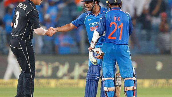 India prevail in Pune to level series v New Zealand
