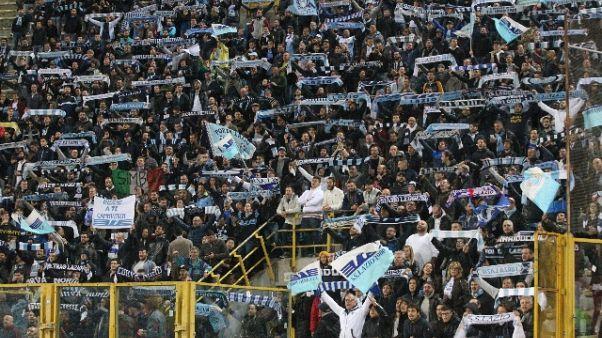 Tifosi Lazio cantano 'me ne frego'